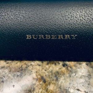 Burberry NIB sunglasses
